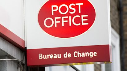 Post office network 'on brink of collapse'