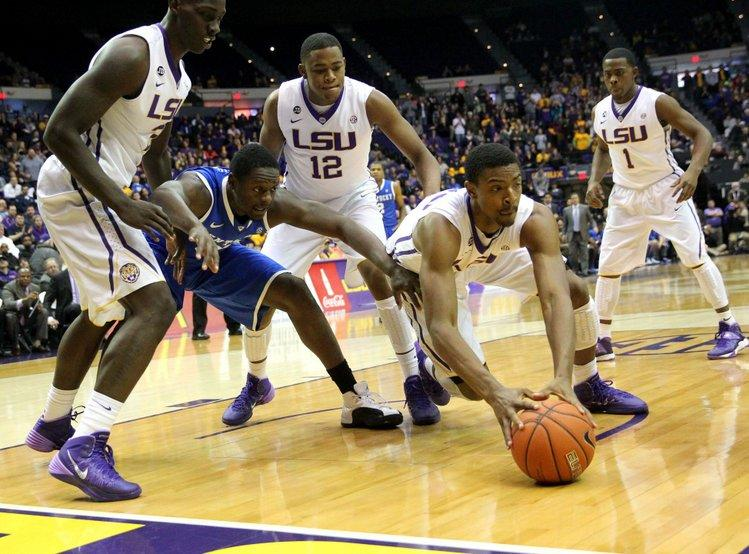 Kentucky Basketball Is An Enigma Well Into The Season: LSU Big Men Dominate Wildcats In Kentucky's Latest Stumble