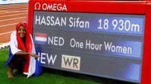 Atleta neerlandesa Hassan quiebra récord mundial de la hora en 413 metros