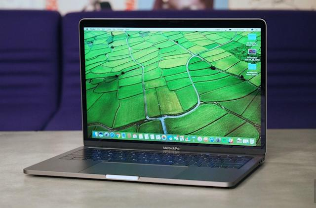 Apple offers free repairs for 2016 MacBook Pros with faulty backlights