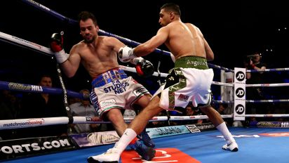 Amir Khan returns to boxing with 39-second KO