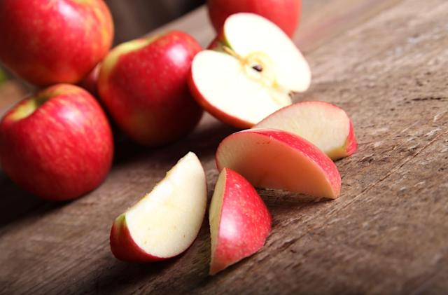 Non-browning GMO apple slices go on sale next month