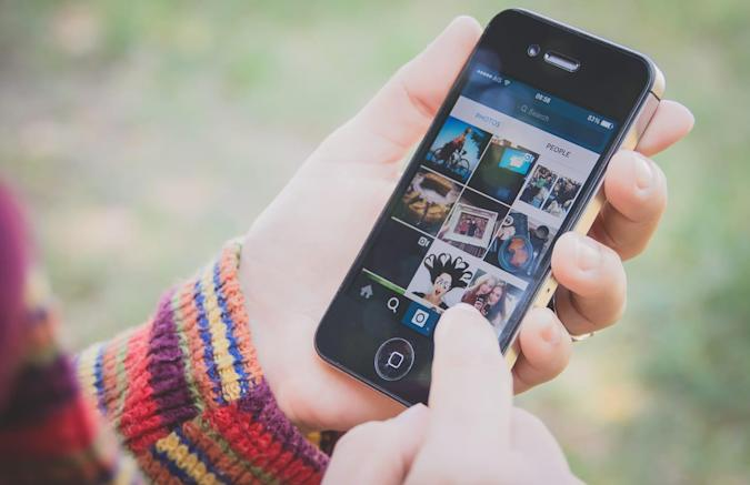 Instagram blocks users from linking to Telegram and Snapchat