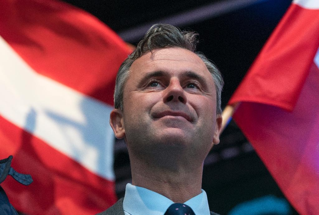 Freedom Party (FPOe) presidential candidate Norbert Hofer at a campaign rally in Vienna, on May 22, 2016 (AFP Photo/Joe Klamar)