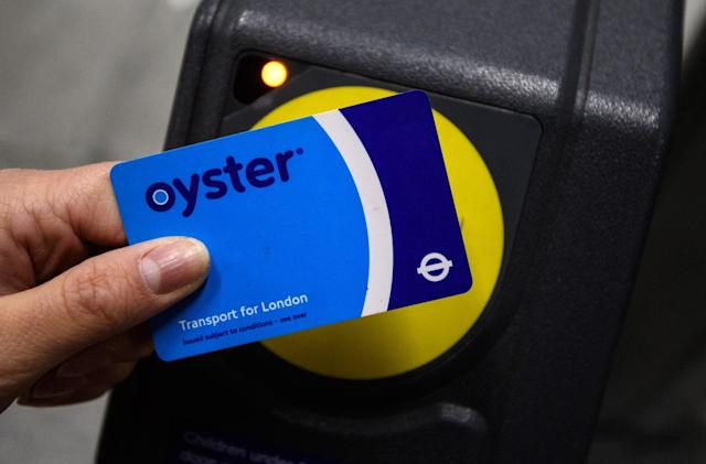 Oyster card app simplifies top-ups in London