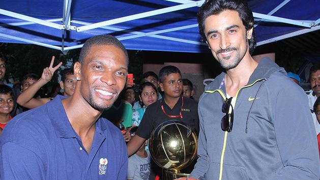 Kunal Kapoor Play's Basketball With NBA Star Chris Bosh (MEET THEM HERE)