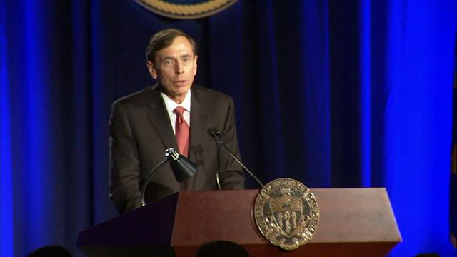 David Petraeus apologizes in 1st public speech since resignation