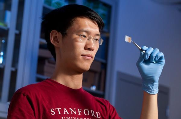 Stanford researchers create transparent battery, dream of a see-through iPhone (video)