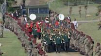Military escorts Mandela's coffin across Qunu