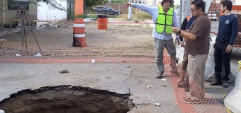 Man falls into sinkhole, swept away in drain pipes
