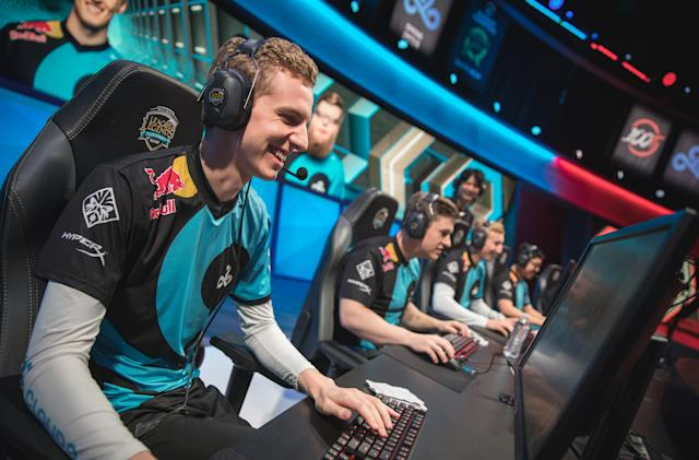 Fans are mad at one of the biggest 'League of Legends' teams
