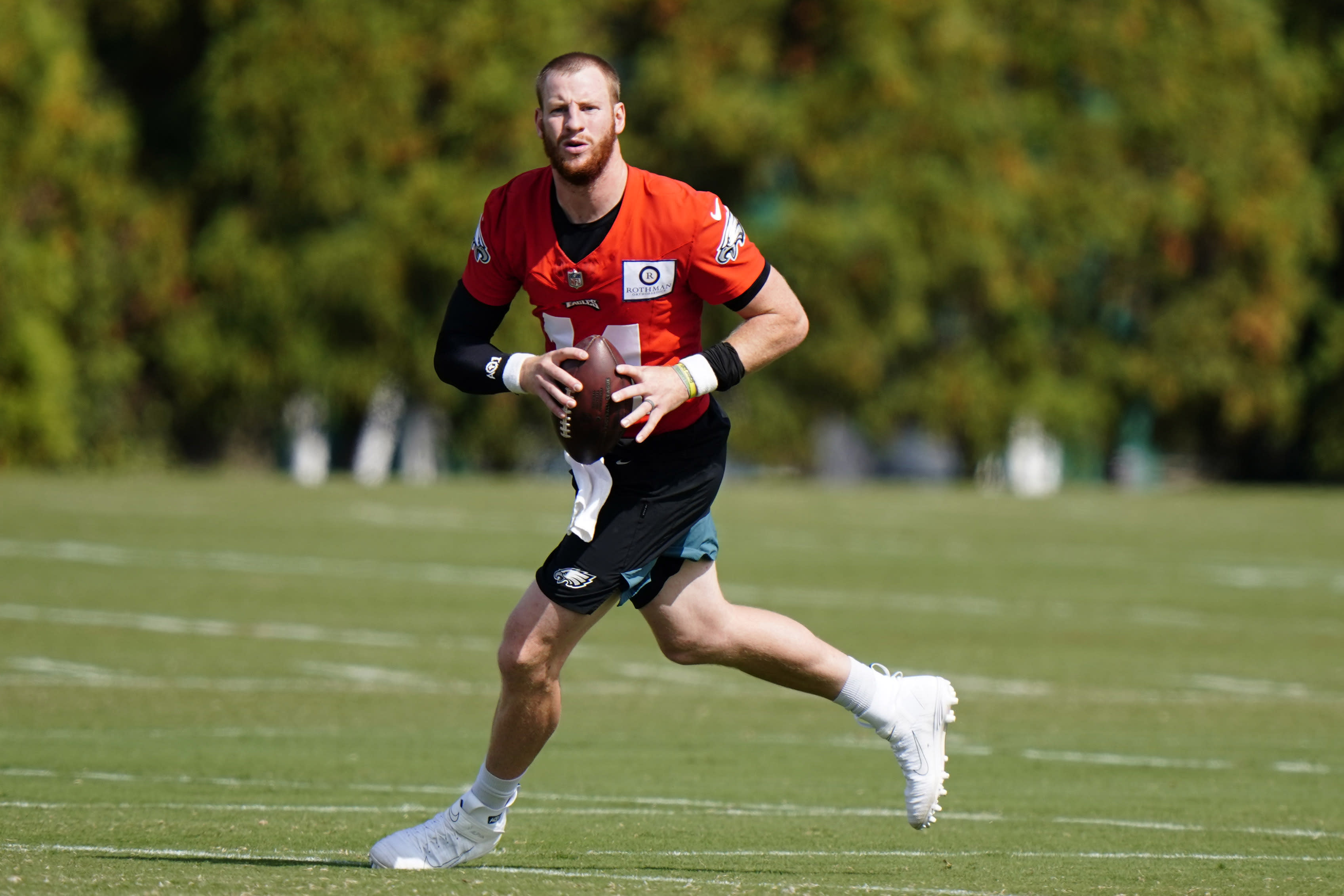 Philadelphia Eagles' Carson Wentz participates in a drill during practice at the NFL football team's training facility, Thursday, Oct. 1, 2020, in Philadelphia. (AP Photo/Matt Slocum, Pool)