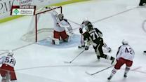 Evgeni Malkin hits crossbar and post