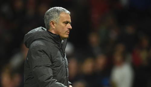 Premier League: Manchester United: Mourinho hofft auf Smalling und Jones