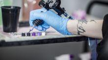 El peor tatuaje… Así intentó reconquistar a su esposa, pero se le pasó un detalle