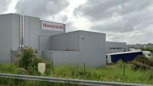 Cette usine bretonne de masques de protection, fermée en 2018, qui fait cruellement défaut à la France