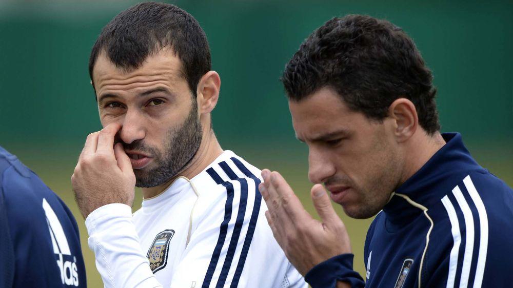 """El chistoso mensaje de Maxi Rodríguez a Mascherano: """"Dale, que ya lo alcanzas a Leo"""""""