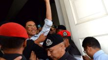 Anwar's bid to challenge Pardons Board decision goes to Federal Court