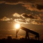 Oil rises as Saudi Arabia seeks to tackle oversupply
