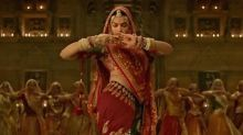 WATCH: Deepika Padukone has a gala time dancing on 'Ghoomar' with fans