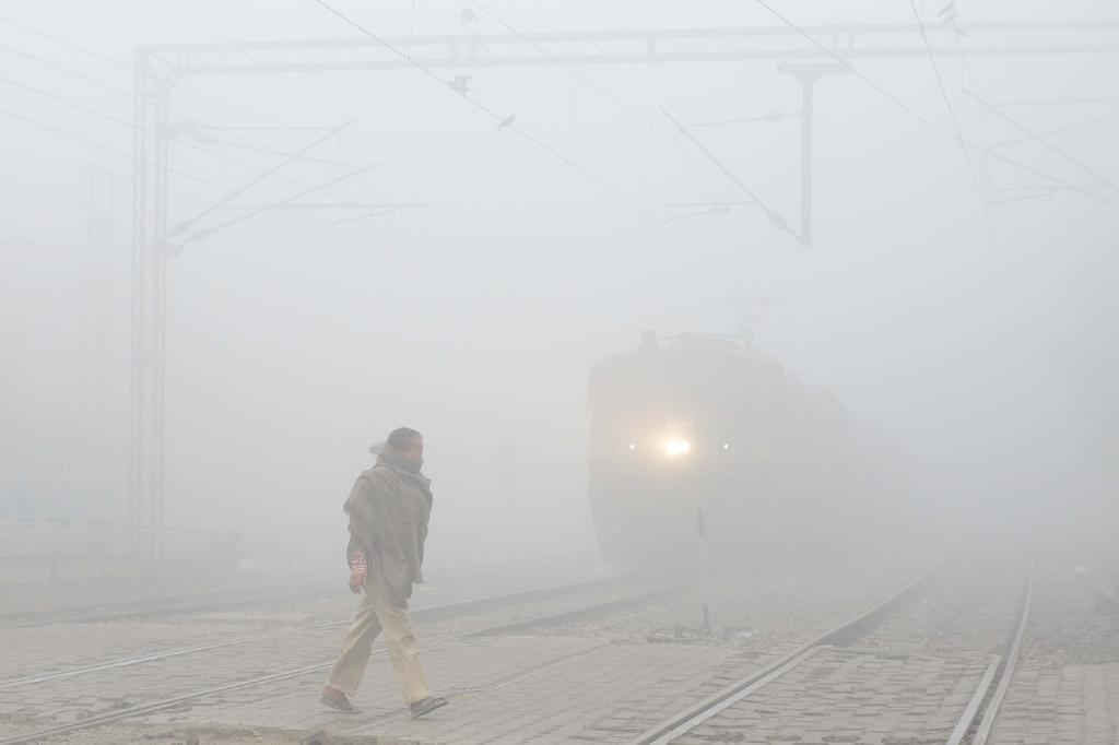 Low winds and the annual post-harvest burning of crop stubble have caused the levels of dangerous pollutants in the air to spike to many times the levels considered safe (AFP Photo/NARINDER NANU)