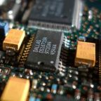 Analog Devices, Inc. (NASDAQ:ADI) Looks Like A Good Stock, And It's Going Ex-Dividend Soon