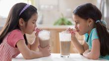 5 snacks y bebidas para niños, que no son tan saludables como parecen