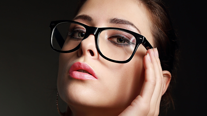 Startup takes on Warby Parker with its Chicago-branded 'Made in the USA' spectacles