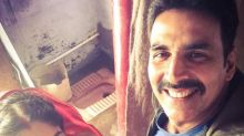Akshay and Bhumi share a quirky selfie as they start shooting for Toilet - Ek Prem Katha