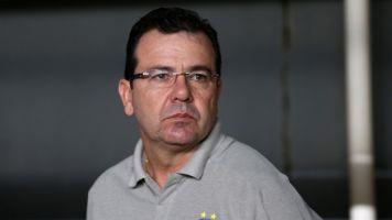 Presidente do Bahia sai em defesa de Enderson Moreira após queda na Sul-Americana
