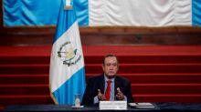 El presidente de Guatemala afirma no haber recibido sobornos de ciudadanos rusos