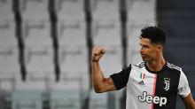 Com dois de Cristiano Ronaldo, Juventus vence Lazio e fica mais perto do título italiano