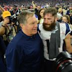 Julian Edelman's reaction to Bill Belichick's torn up sweatshirt is perfect