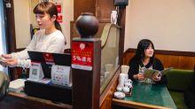 Karaokê para um? O avanço do entretenimento 'solo' no Japão