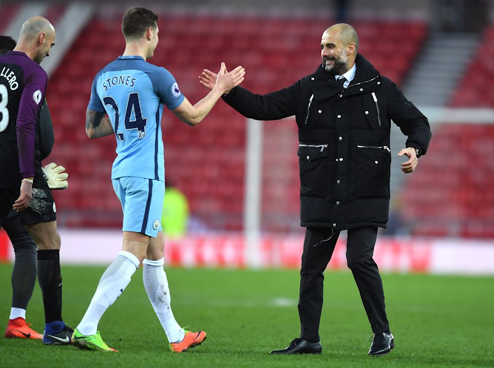 """Manchester City, Stones : """"Guardiola est le meilleur entraîneur du monde"""""""