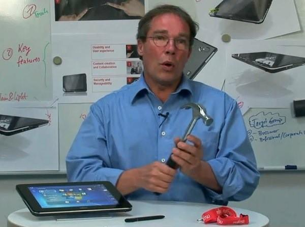 Fujitsu's tablet is easy like a hammer, cozy as a scarf, and never scratchy like Windows 7 (video)