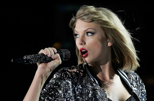 Recommended Reading: How Taylor Swift took on Apple