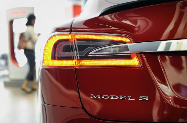 Tesla quietly drops the Model S 85 series in the UK