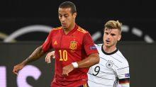 L'Allemagne et l'Espagne dos à dos