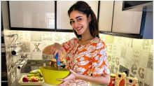 Ananya Panday Says She is Good at 'Pretending to Cook' with New Picture on Instagram