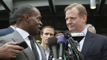 Smith's view of Goodell's job: 'Lying, cheating'