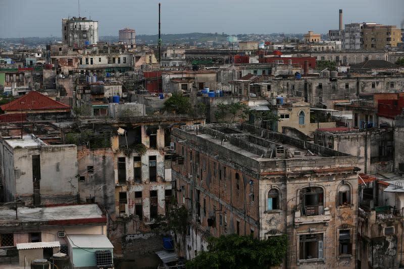 Cuba des chambres d 39 h tel l 39 heure de retour la havane for Hotel al heure liege