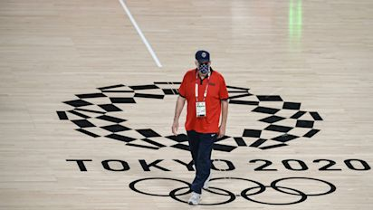 Last 3 of Team USA arrive just hours before tip