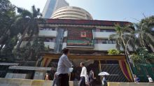 Banks, IT lead rebound in Indian shares on fiscal stimulus hopes