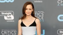 Harrowing 'Handmaid's Tale' photo: Alexis Bledel banished to the colonies