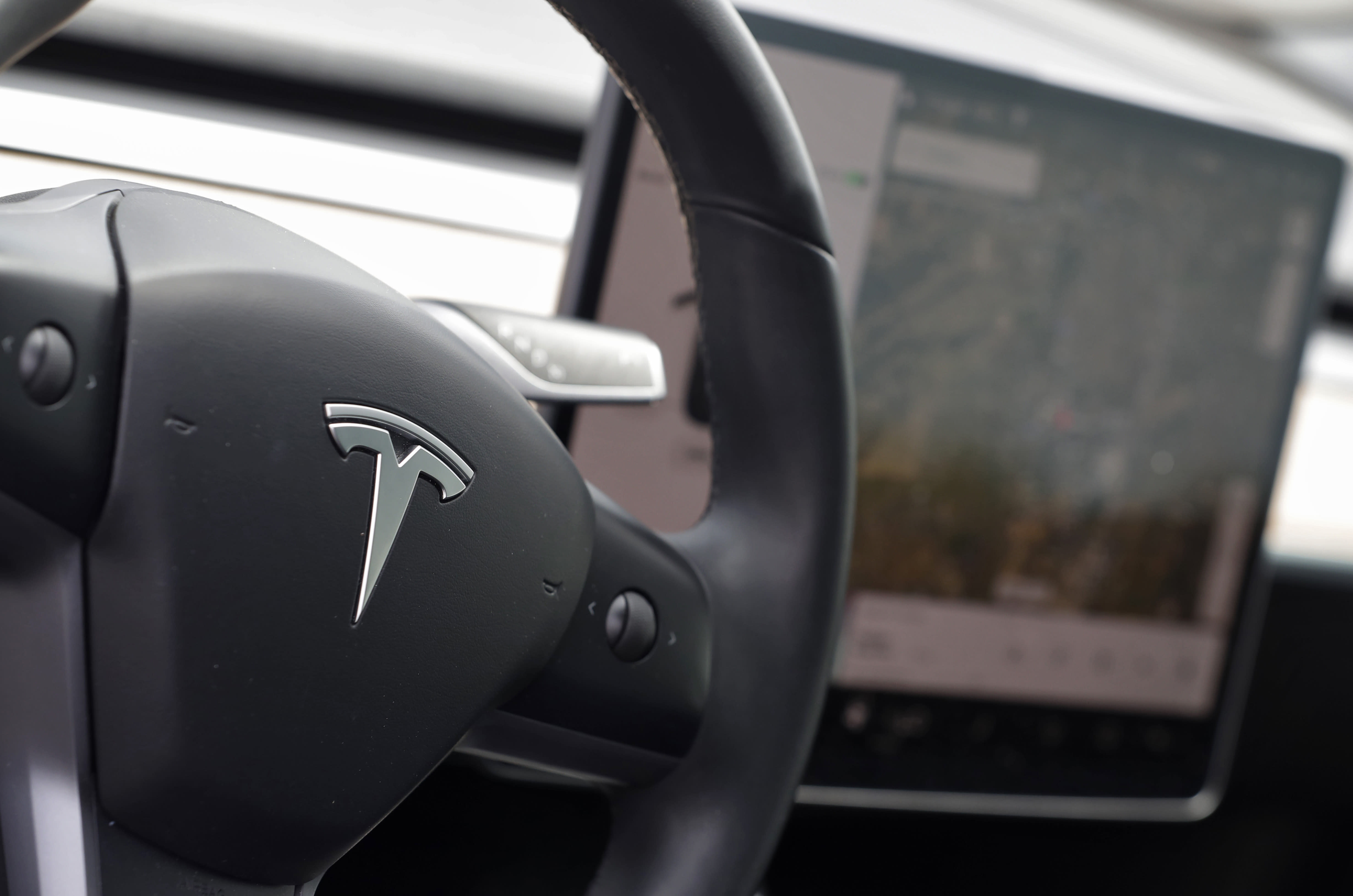 Tesla under pressure to 'misleading' safety claims