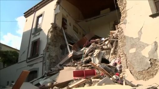 Italy quake death toll hits 284 on day of mass funeral