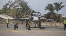 Caça Gripen da Força Aérea faz seu primeiro voo no Brasil