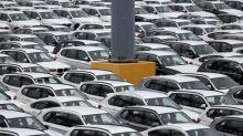 BMW Loses Ground to Mercedes as Auto Profitability Narrows