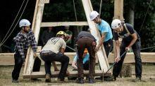 """Notre-Dame : """"la charpente pourrait être construite à l'identique"""", en bois et en moins de huit mois, assure Charpentiers sans frontières"""